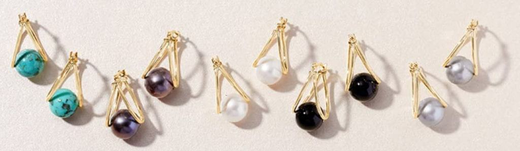 Wear pearl earrings to look classy