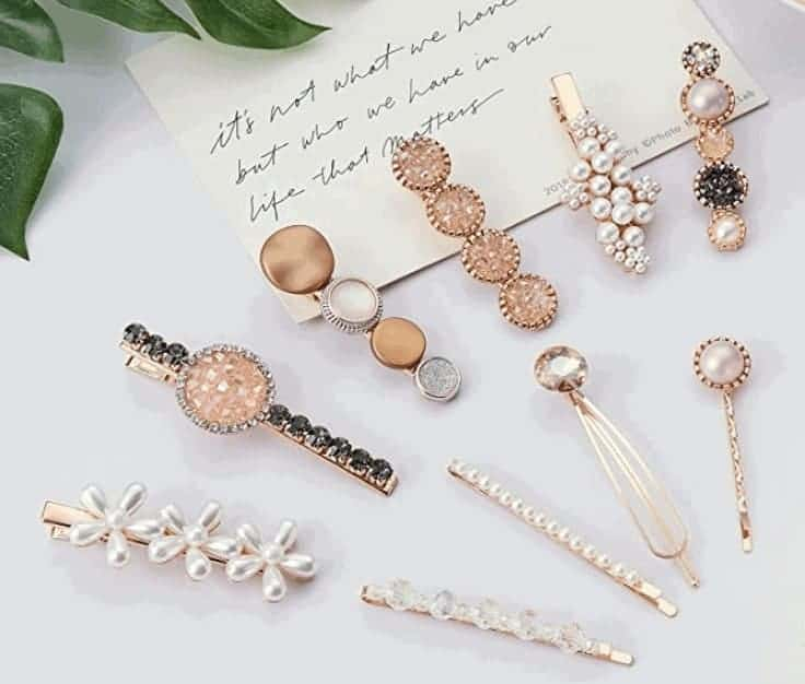 wear Rhinestone hair clips to look classy and elegant